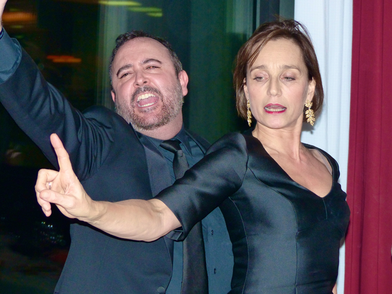 Carlos Areces y Kristin Scott Thomas